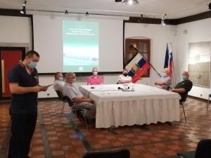 Predstavnik Goriškega muzeja Davor Krnel je predstavil zbornik vloga teritorilne obrambe severnoprimorske pri osamosvajanju republike Slovenije