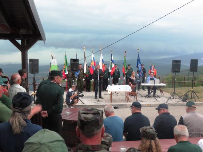 Dvig zastave na Sabotinu